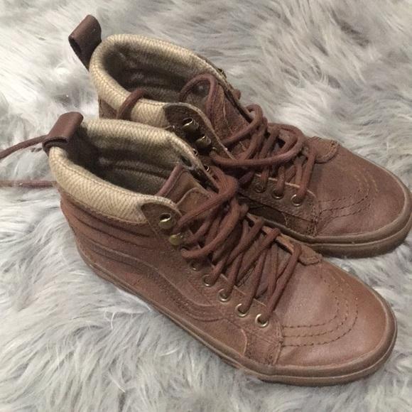 8bd57b5b21 Vans all leather all terrain shoes. M 5be8ca5545c8b3d7e7b76a97